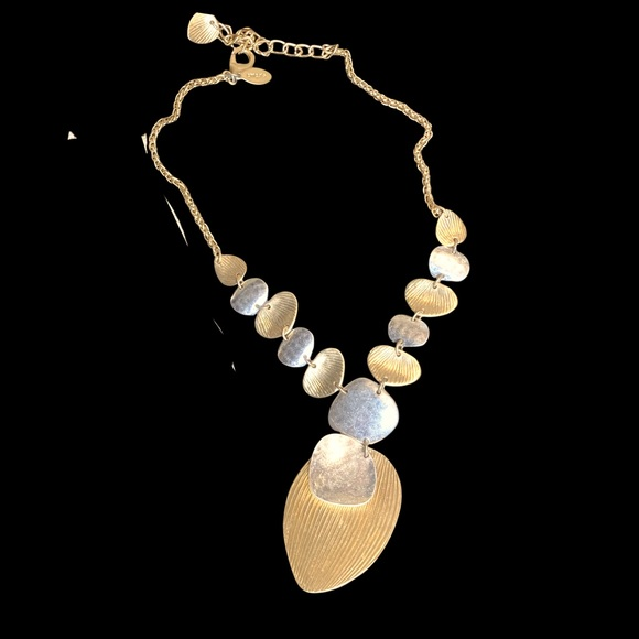Chico's leaf necklace gold & silver tone
